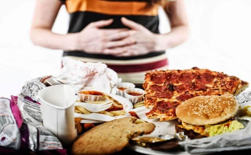 دراسة: الأكل في نهاية الأسبوع مرتبط بارتفاع مؤشر كتلة الجسم