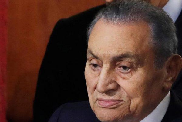 الكنيسة القبطية الأرثوذكسية تنعى الرئيس الأسبق حسني مبارك