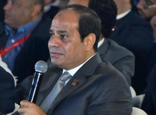 الرئيس السيسي يشاهد فيلما تسجيليا عن جهود الدولة المصرية فى ملف الطاقة