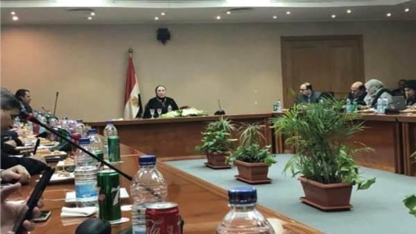 وزيرة التجارة: مجلس الوزراء يناقش استراتيجة صناعة السيارات الأسبوع الجاري
