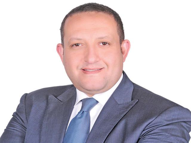 برلماني يطالب وزير التموين باستثناء أصحاب المعاشات من شرط امتلاك السيارة