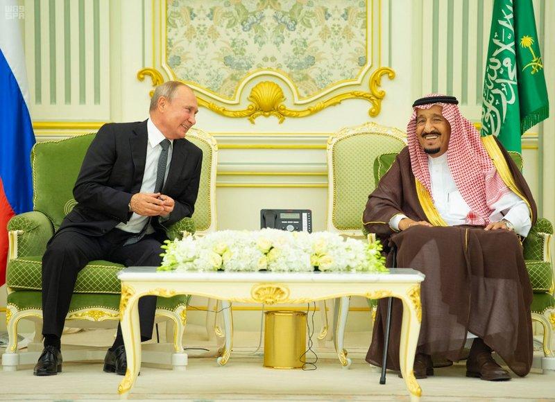 الكرملين: بوتين والملك سلمان بحثا هاتفيا التعاون في إطار أوبك