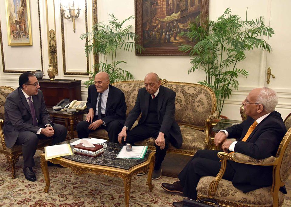 صور | مجدى يعقوب يدعو رئيس الوزراء لوضع حجر أساس مركزه العالمى في أكتوبر