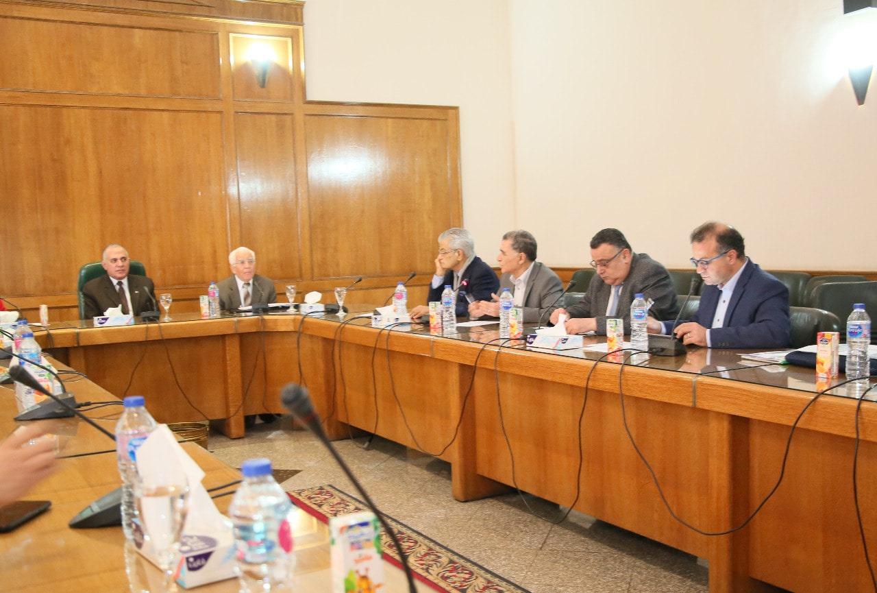 صور | وزير الري يترأس اجتماع اللجنة العلمية لأسبوع القاهرة للمياه 2020