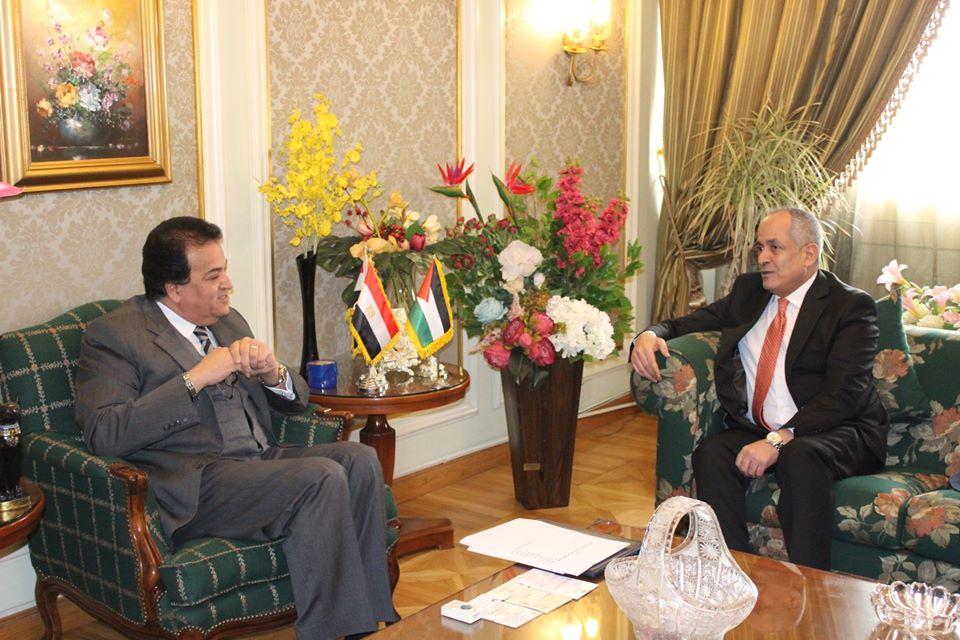 وزير التعليم العالي يؤكد تقديم كافة التسهيلات للطلاب الأردنيين للدراسة بالجامعات المصرية
