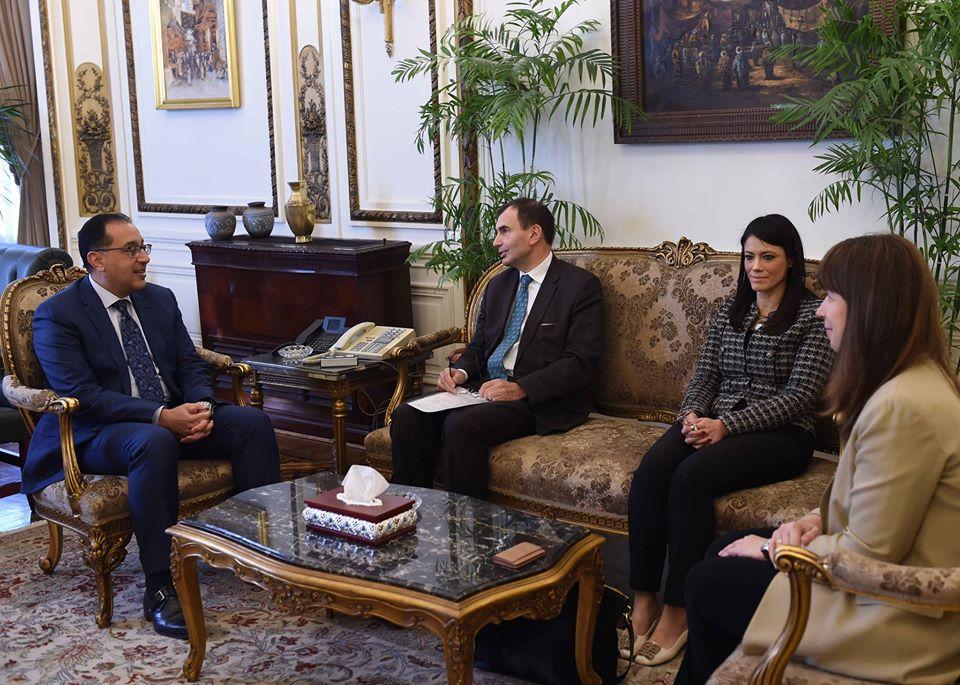 صور | مدبولي يلتقي نائب رئيس البنك الأوروبي لإعادة الإعمار والتنمية