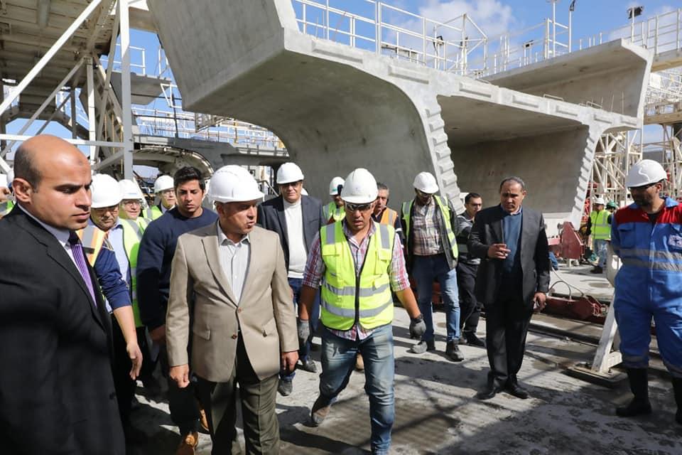 صور| وزير النقل يتابع أعمال تنفيذ محطتى مترو الزمالك والكيت كات