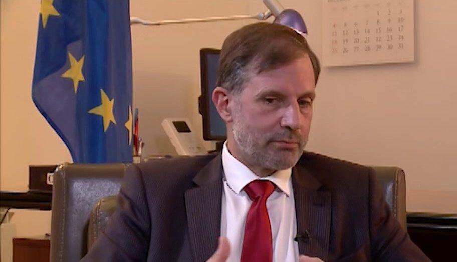 الاتحاد الأوروبى يشيد بدور الجزائر فى جهود تسوية الأزمة الليبية