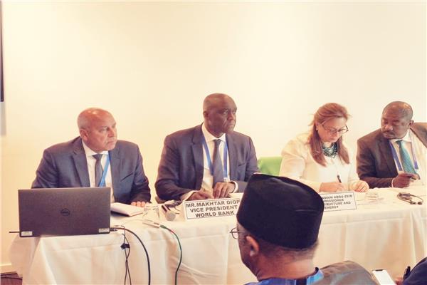 وزير النقل يشارك بالمائدة المستديرة حول أمن وسلامة الطرق في أفريقيا