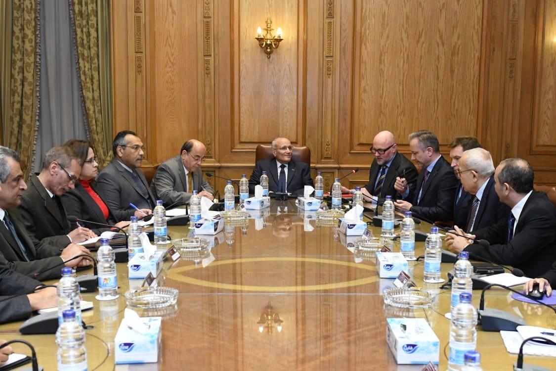وزير الإنتاج الحربى: نرحب بالاستثمارات الأجنبية التي تسهم في إحداث التنمية الشاملة