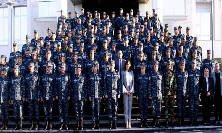 نبيلة مكرم تستعرض جهود وزارة الهجرة فى محاضرة بقيادة القوات البحرية
