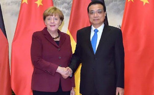 """رئيس وزراء الصين والمستشارة الألمانية يبحثان هاتفيًا مكافحة """"كورونا"""""""