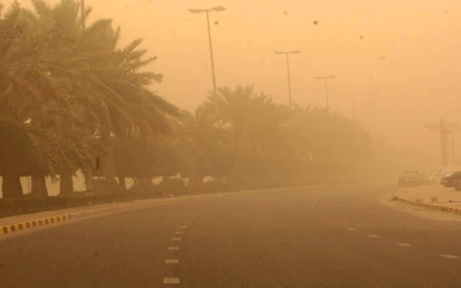 الحكومة تناشد المواطنين عدم الخروج يومي الخميس والجمعة بسبب الطقس