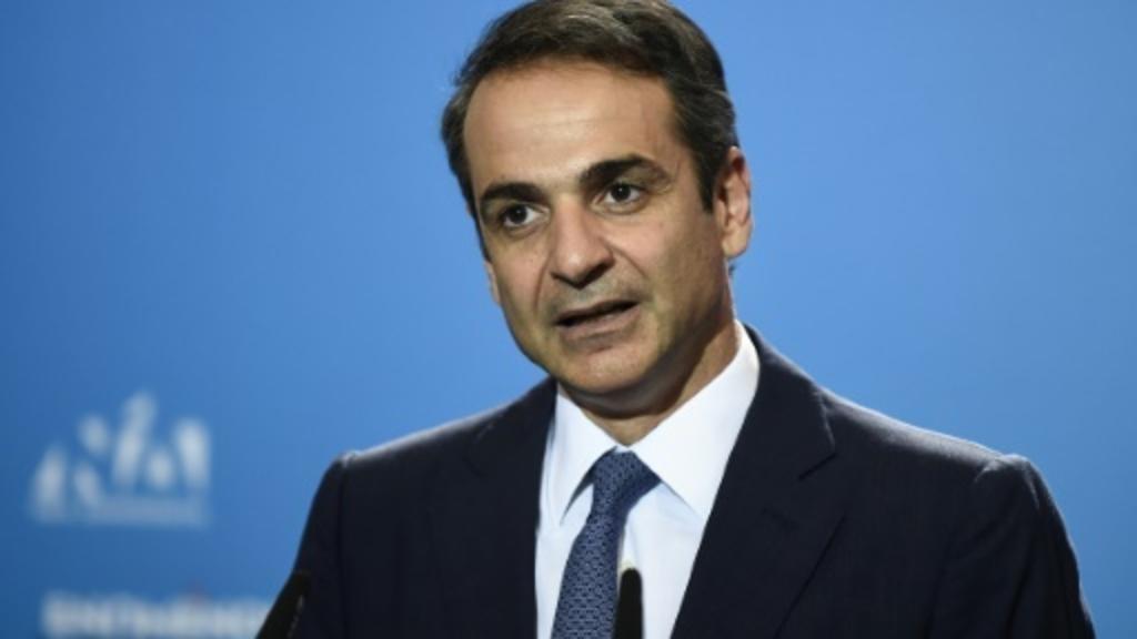 رئيس الوزراء اليوناني يجري تعديلات وزارية