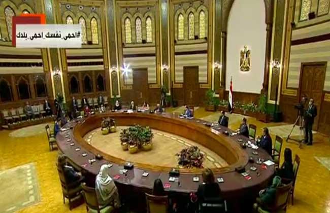 بدعاء للرسول.. الرئيس السيسي يختتم حديثه مع سيدات مصر