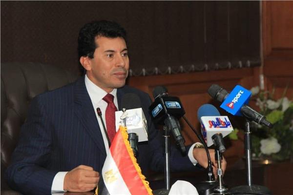 وزير الرياضة يتفقد مركز شباب الجزيرة 2 ونادى النادى بأكتوبر