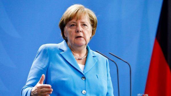 ميركل: ألمانيا تستطيع تحمل تكلفة إجراءات اقتصادية لتخفيف تبعات كورونا