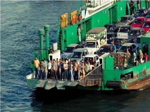 محافظة بورسعيد تنفى توقف حركة المعديات العابرة بين ضفتى القناة