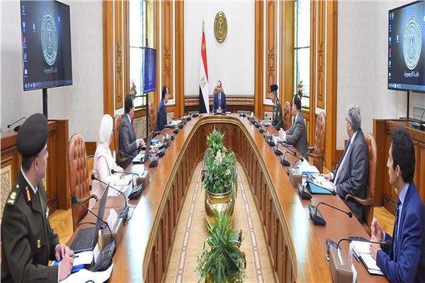 الرئيس السيسي: زيادة بدل المهن الطبية بنسبة 75%
