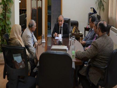 رئيس جامعة الزقازيق يتابع خطة الإجراءات الطبية والإحترازية بالمستشفيات الجامعية