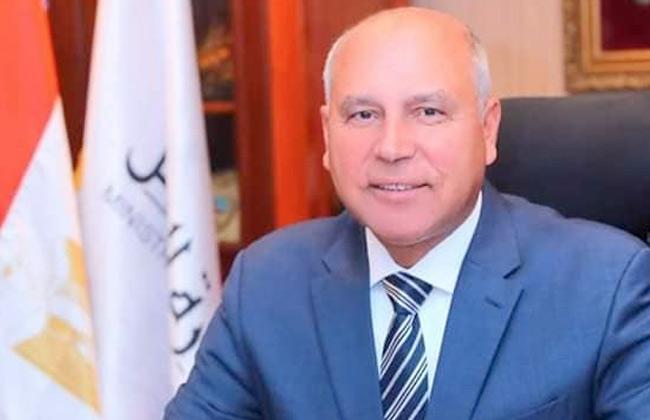 وزير النقل: الرئيس السيسي أكد أن أمن المواطن أهم من أي شيء
