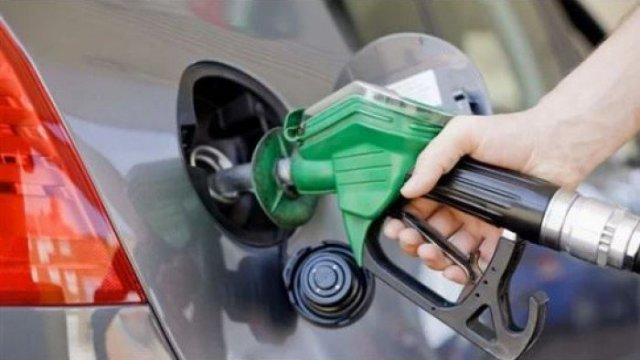 «البترول» تنفى أسعار البنزين المتداولة على مواقع التواصل الاجتماعى