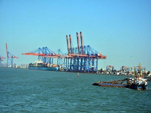 اقتصادية قناة السويس ترفع درجات الطوارئ داخل مناطقها الصناعية