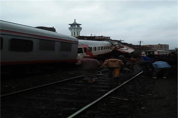 السكة الحديد تبدأ اليوم تحقيقات فى حادث تصادم قطارى محطة مصر