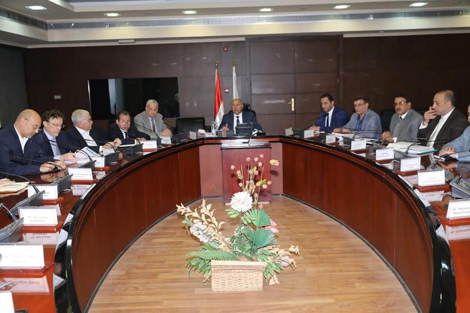 وزير النقل يعقد اجتماعاً مع تحالف بومباردييه لمتابعة تنفيذ مونوريل العاصمة الإدارية و6 أكتوبر