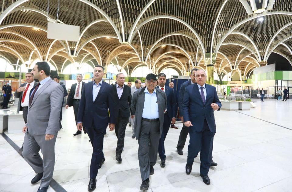 صور | رئيس الوزراء العراقي يتفقد إجراءات الوقاية من فيروس كورونا في بغداد والبصرة