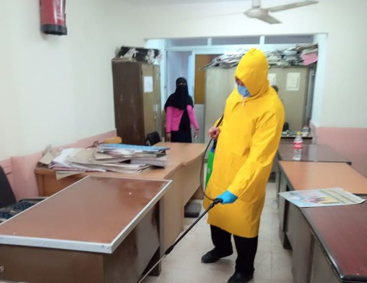 صور | سعفان يتابع الإجراءات الاحترازية للعاملين بالقوى العاملة والمصانع تنفيذًا لقرارات الحكومة