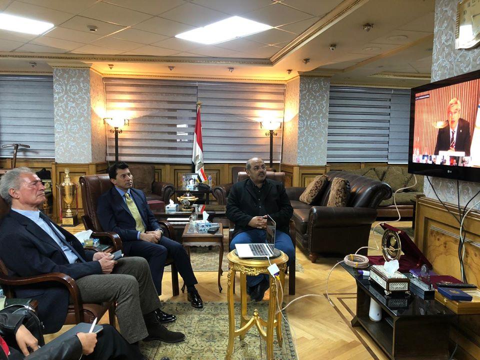 صور | وزير الرياضة يشهد إجتماع توماس بخ وحسن مصطفى مع رؤساء الإتحادات الرياضية الدولية