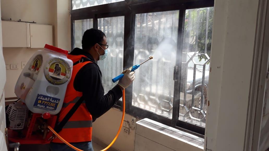 صور | وزيرة البيئة توجه بتعقيم مقرات الوزارة والتناوب بين العاملين للحد من التكدس