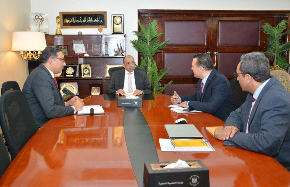 شعراوي يوجه بتطبيق الإجراءات الوقائية في مشروعات برنامج تنمية الصعيد بقنا وسوهاج