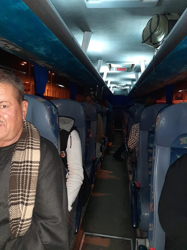 صور | وزير النقل يطمئن على نقل ركاب 4 قطارات وصلوا وقت الحظر