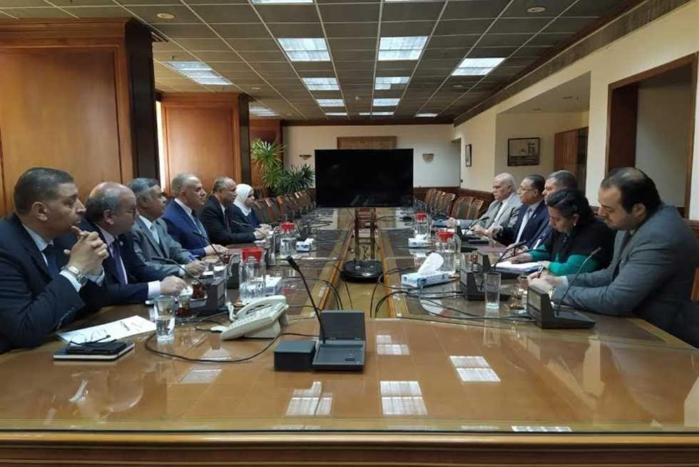 وزيرا الري وقطاع الأعمال يبحثان سبل تذليل العقبات أمام المشروعات المشتركة