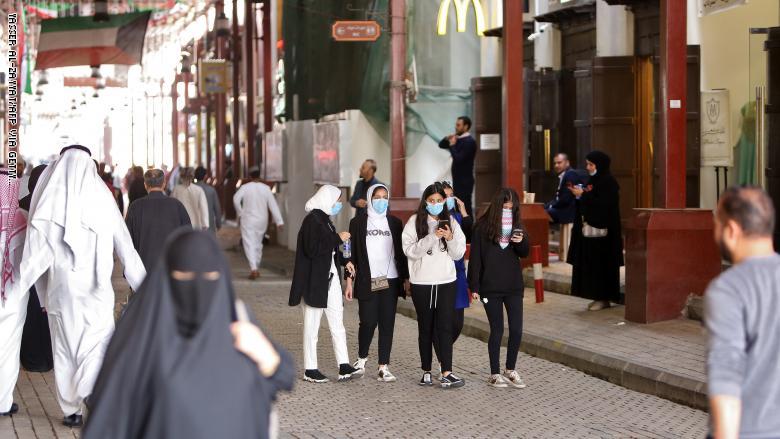 الكويت: 25 إصابة جديدة بكورونا والحصيلة ترتفع إلى 342 حالة