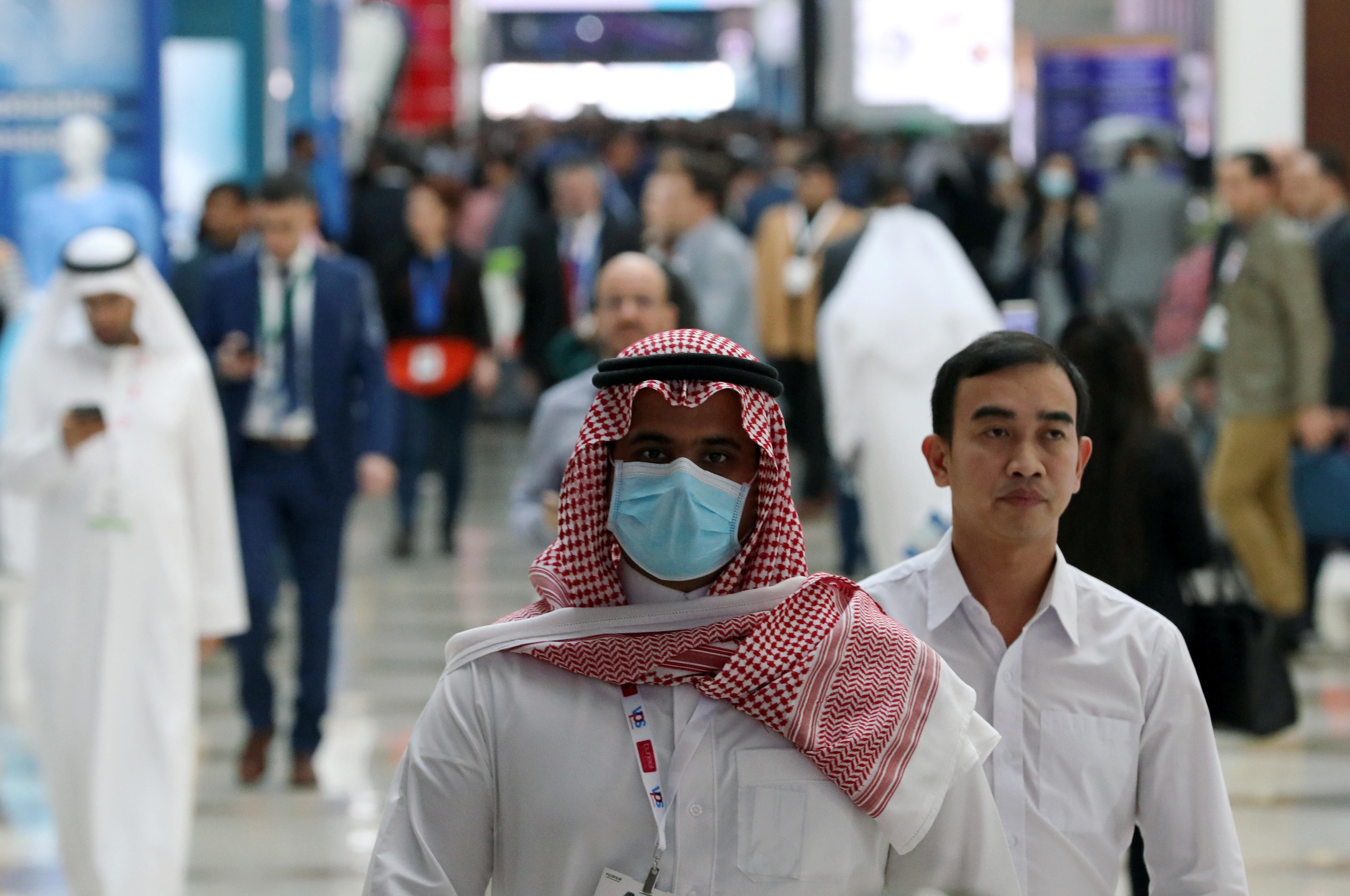الإمارات تسجل 1310 إصابات جديدة بكورونا.. وارتفاع الإجمالى لـ161365 حالة