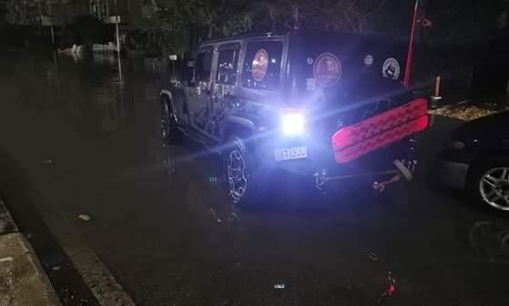 «العربية للتصنيع» تتحمل تكاليف إصلاح سيارة الشاب الذي أنقذ 112 سيارة غارقة بسبب مياه الأمطار