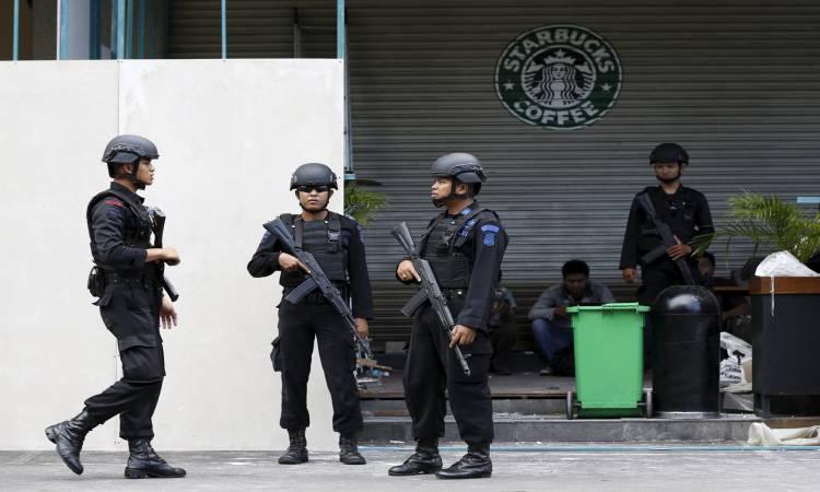 الشرطة الفلبينية تطوق مركزًا للتسوق في مانيلا بعد سماع دوي إطلاق نار
