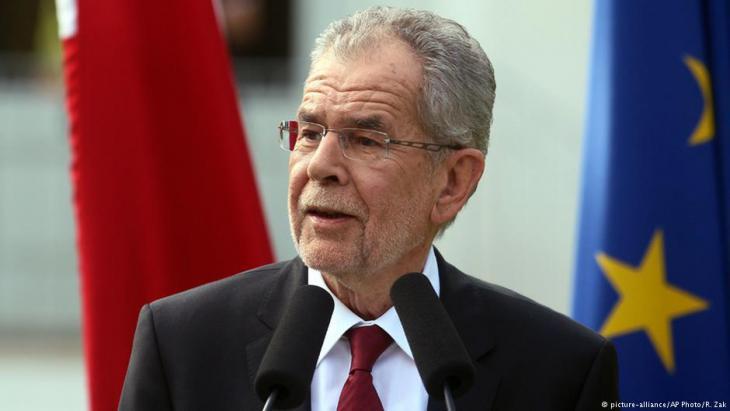 الرئيس النمساوي يؤيد قبول الأطفال والحالات الإنسانية من اللاجئين