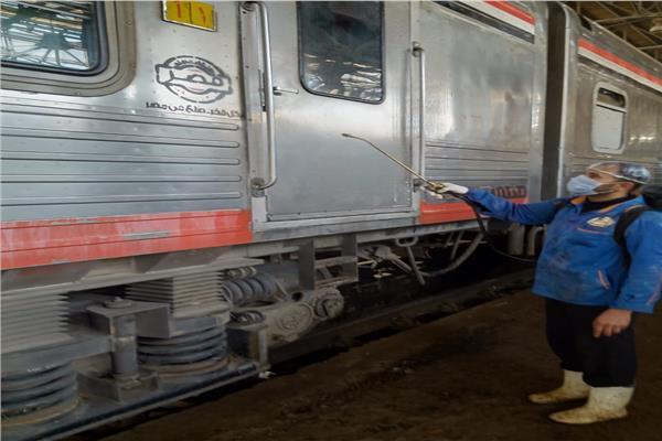 تعقيم محطة مصر للسكة الحديد بالكلور والكحول ضد «كورونا»