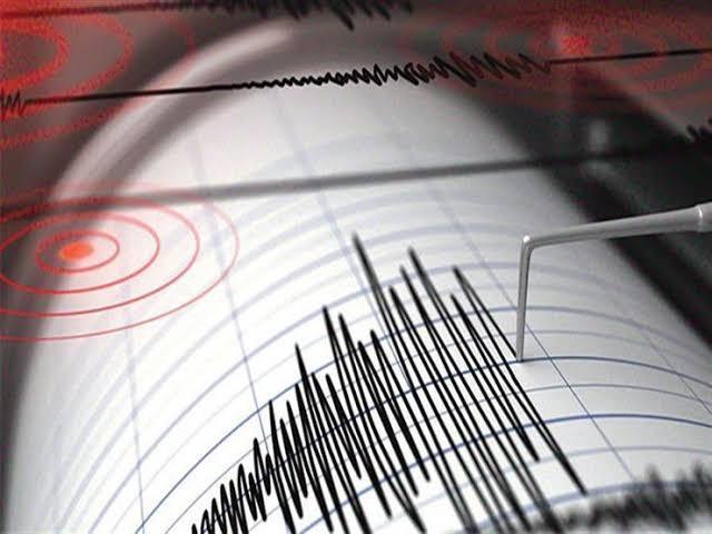 زلزال بقوة 6.9 ريختر يضرب إندونيسيا
