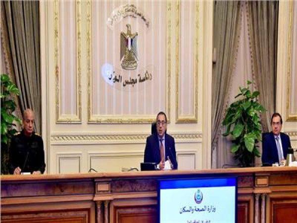 رئيس الوزراء يترأس اجتماع إدارة أزمة كورونا لبحث مد الحظر