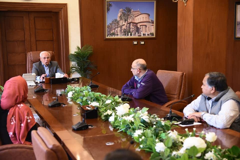 صور | محافظ بورسعيد يعقد اجتماعا بمجموعة إدارة ازمة كورونا
