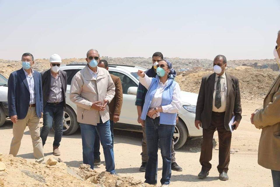 صور   وزيرة البيئة تتفقد مدفن العبور وتتابع السيطرة على عدد من الاشتعالات به