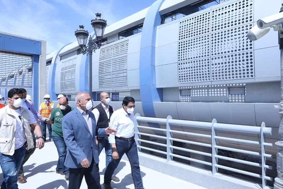 صور | وزير النقل يكلف بالكشف على العاملين بمواقع مشروعات الوزارة لمواجهة كورونا
