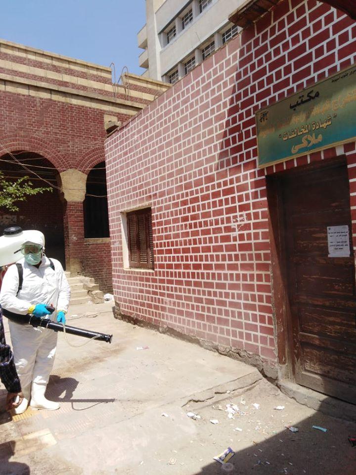 صور | محافظ أسيوط : استكمال حملات التطهير والرش للمنشآت الخدمية والحيوية بالمراكز