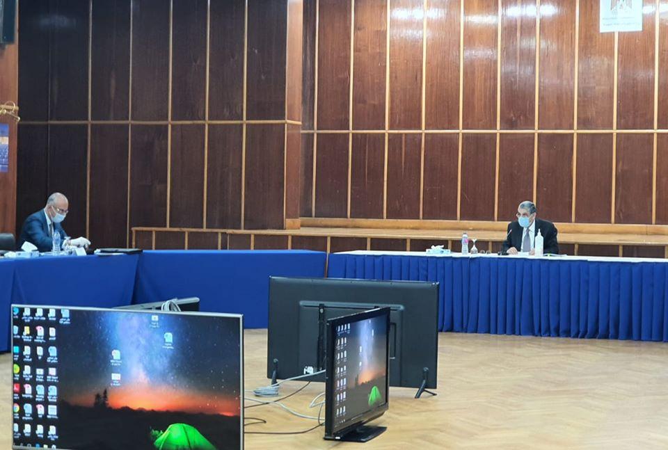 وزير الكهرباء يجتمع بمجلس إدارة الطاقة المتجددة لمناقشة الحفاظ على الأداء