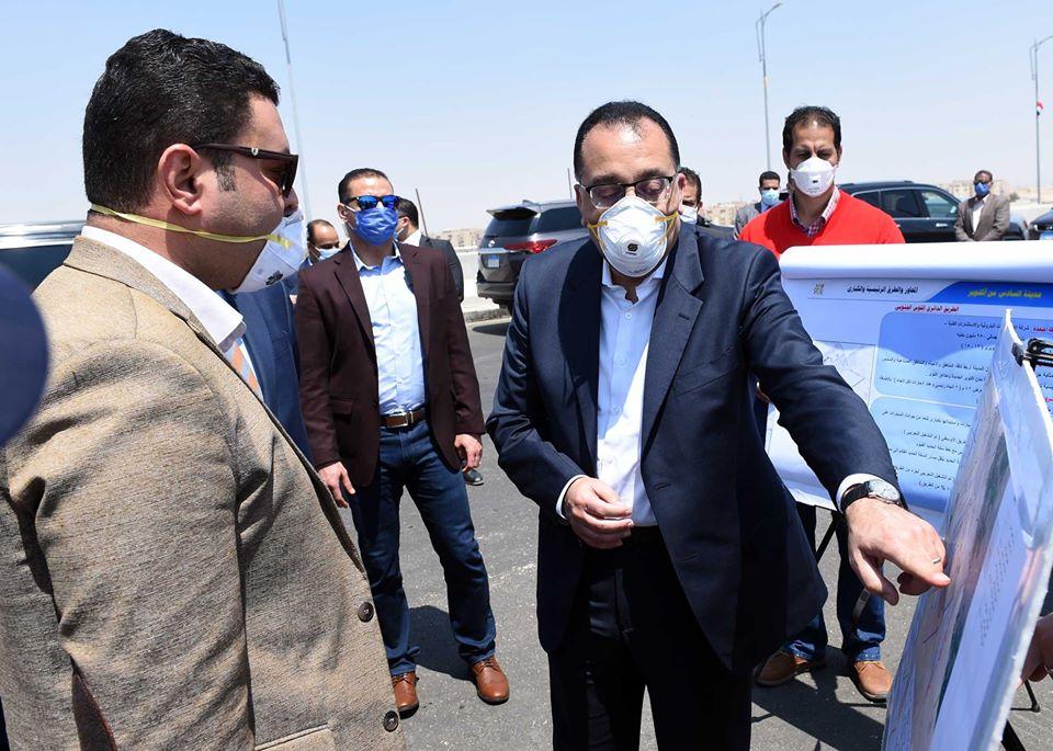 رئيس الوزراء يتفقد المحاور والطرق الرئيسية والكباري بمدينة 6 أكتوبر